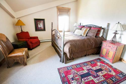A304-second-bedroom