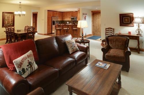 1- A206 living room