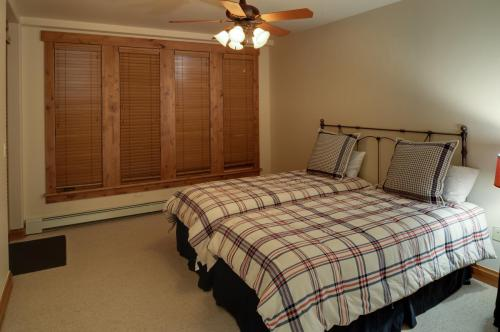 6- A206 second bedroom