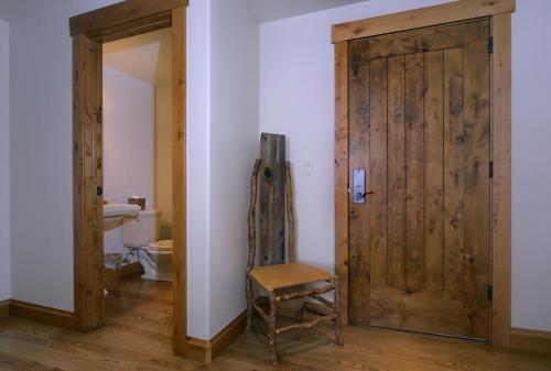 WestWall A203 01 entry foyer