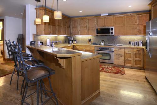 WestWall A203 04 kitchen