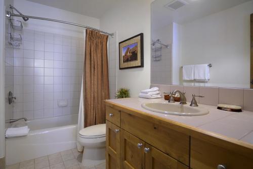 WestWall A203 12 guest bath 2