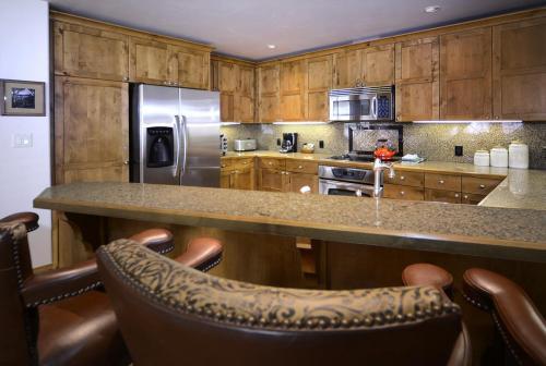 WestWall A207 05 kitchen