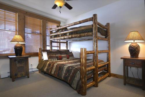 WestWall A207 11 guest bed 2