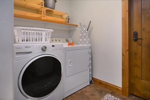 WestWall A303 07 laundry room