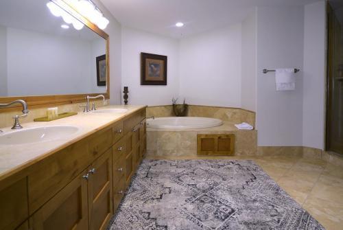 WestWall A303 09 master bath
