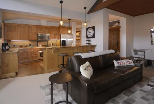 WestWall A406 07 kitchen