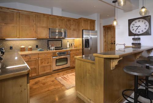 WestWall A406 08 kitchen