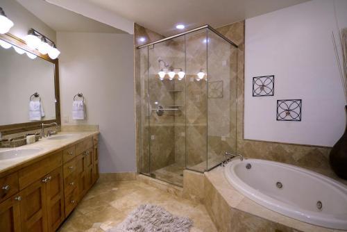 WestWall A406 11 master bath