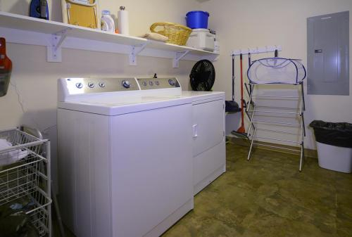 WestWall C102 07 laundry room