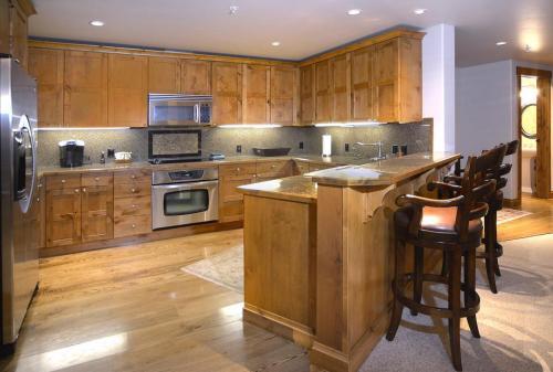 WestWall C103 05 kitchen