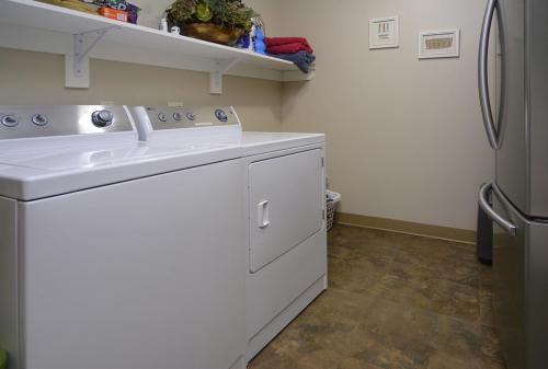 WestWall C103 06 laundry room