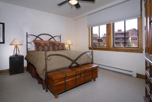 WestWall C203 12 bedroom 2