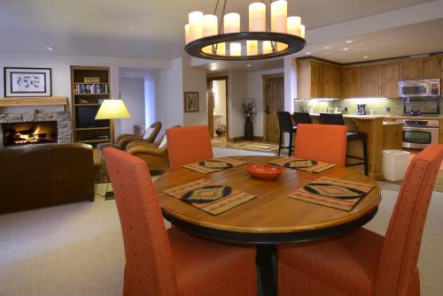 WestWall C204 10 dining room