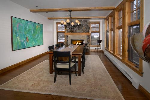 WestWall C205 03 dining room
